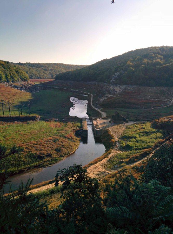 Lac de Guerlédan.. visite de l'assec 2015 … été indien en Bretagnesuite…