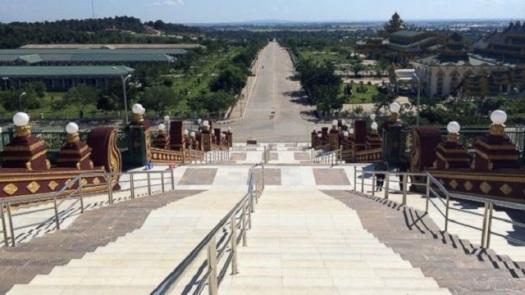 naypyidaw escalier monumental