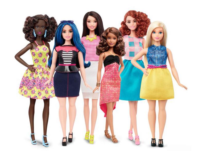 Grosse révolution chez la poupée Barbie : elle pourra être ronde!