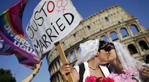 Société : L'Italie accorde une union civile aux homosexuels… Sans devoir defidélité