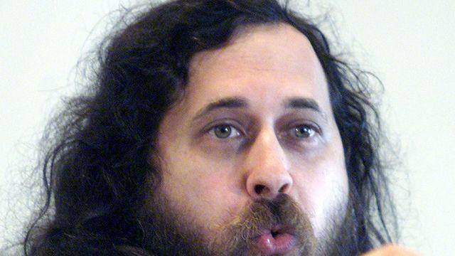 Pourquoi faut-il «éliminer» Facebook selon Richard Stallman?