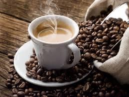 Santé : Cancer colorectal. 2,5 tasses de café diviseraient le risque demoitié