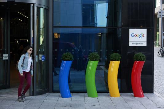 Harcèlement, protection de l'enfance… Facebook et Google main dans la main?