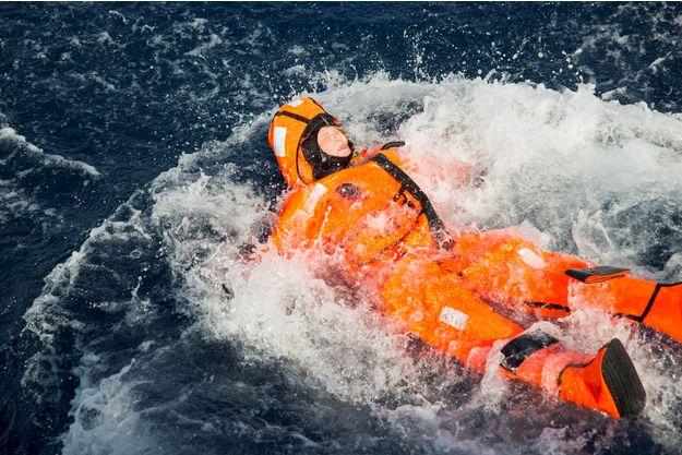 Plouf : Norvège : une ministre se jette à l'eau pour faire «comme les migrants»