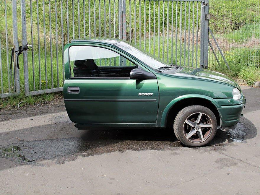 moitie-voiture