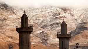 Insolite : Le sahara algérien recouvert de Neige!!!!