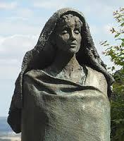 hildegarde statue